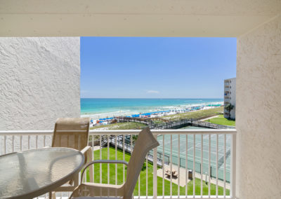 Balcony Holiday Surf & Racquet Club - Unit 421
