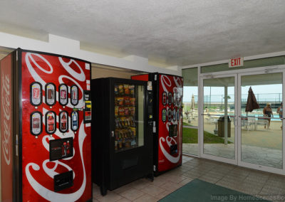 CommunityVending Holiday Surf & Racquet Club - Unit 421