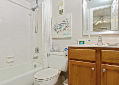 MasterBathroom Holiday Surf & Racquet Club - Unit 421